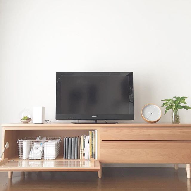 TVボードにDVDを収納する