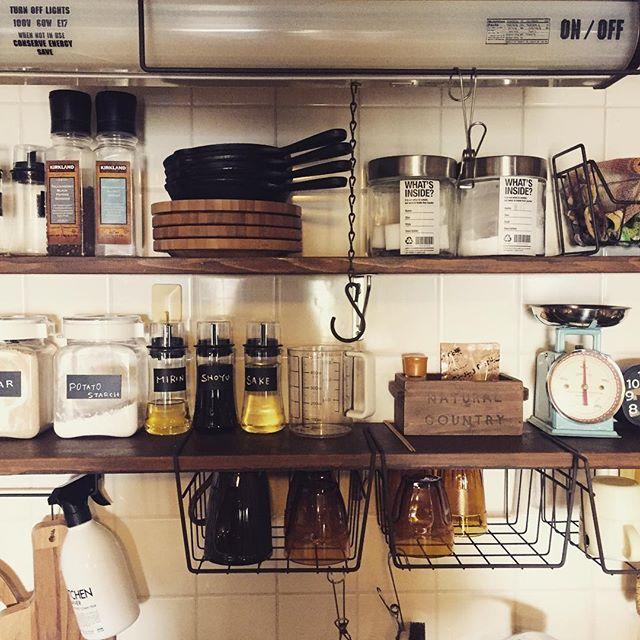 キッチン壁面でモノトーン空間2