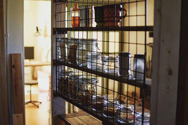 ワイヤーネットを活用したキッチン収納4