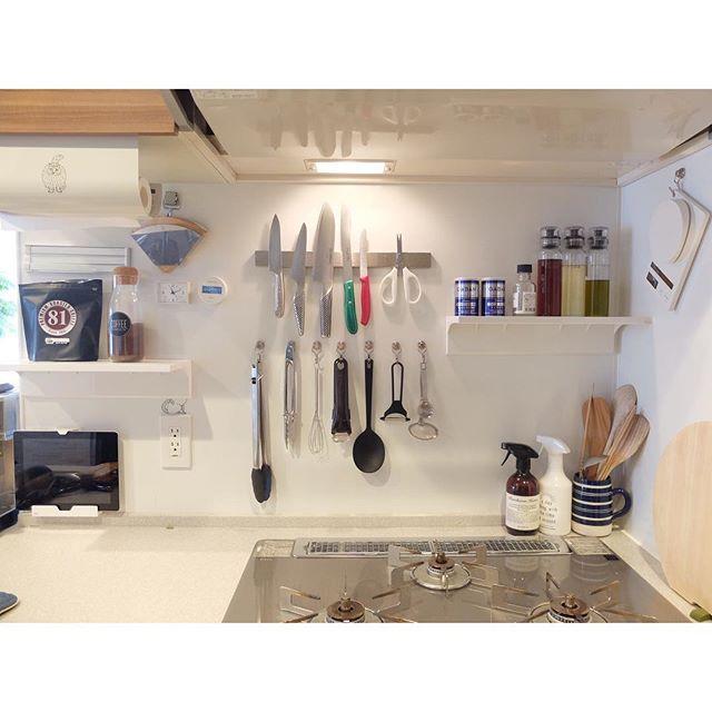 IH周りの壁面を生かして台所の収納力をUP