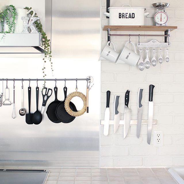 まるでプロの料理人のキッチンのようなナイフ収納