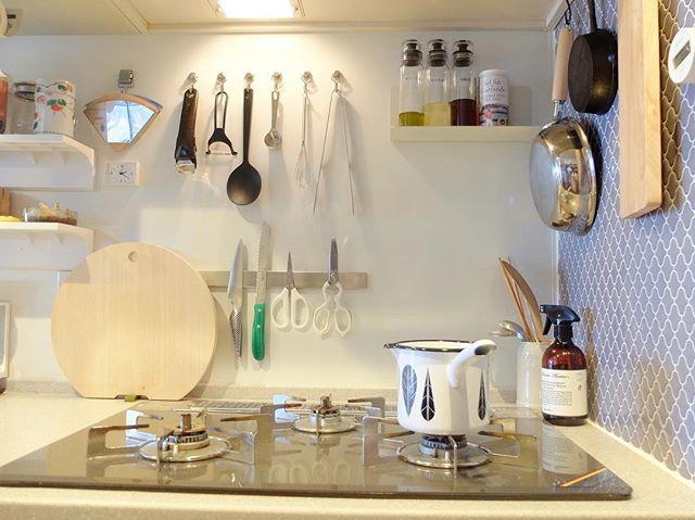 磁石アイテムをフル活用した可愛い台所