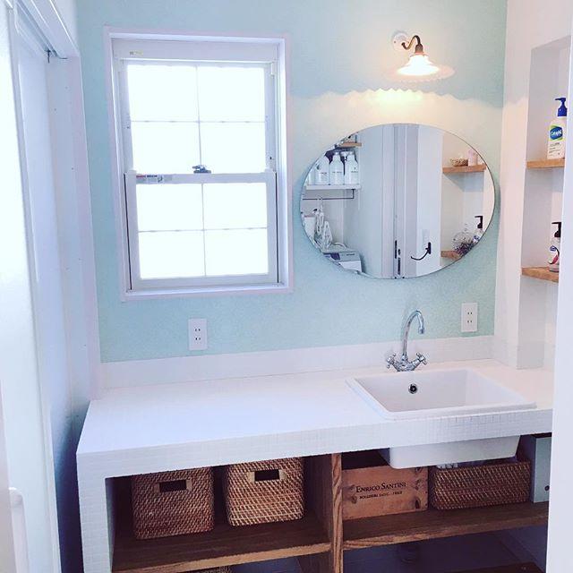 洗面所の鏡も楕円にするだけでおしゃれに
