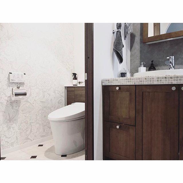モダンでホテルライクなトイレの壁紙4