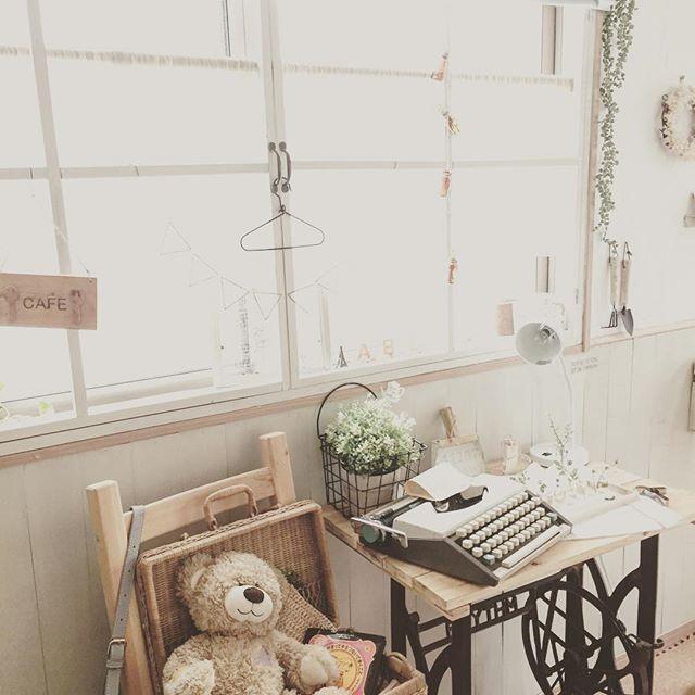 柔らかな印象の家具と組み合わせて