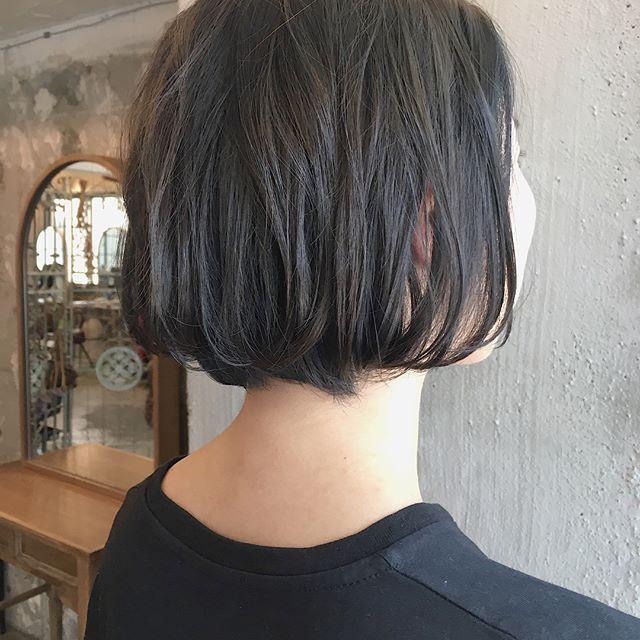 おすすめ暗髪ヘアカラー×ボブ6