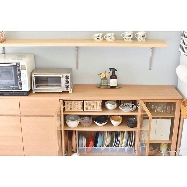 キッチンカウンター下の見せる収納食器棚