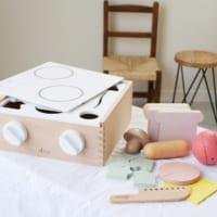 遊びながら想像力と創造性を高める♪おもちゃの「キッチンセット」