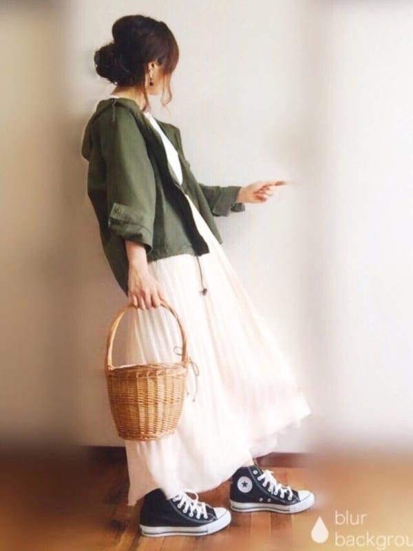 ドルマンブルゾン×フレアスカート