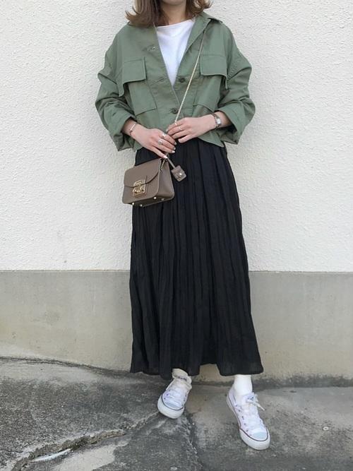 【大阪】4月に最適な服装:スカートコーデ5
