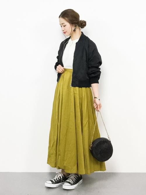 【沖縄】4月に最適な服装:スカートコーデ5