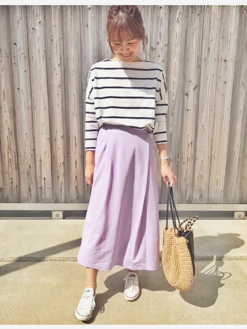 ボーダーT×紫スカートの40代春コーデ