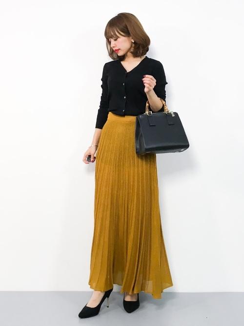 ベーシックカーディガン×プリーツスカート
