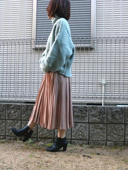 ミントニット×ピンクプリーツスカート×ブーティ
