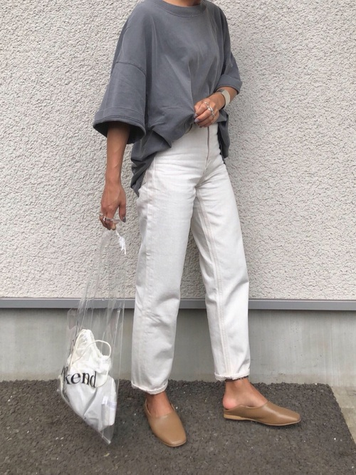 【大阪】4月に最適な服装:パンツコーデ7