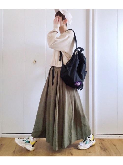 グリーンスカートの最新コーデ2