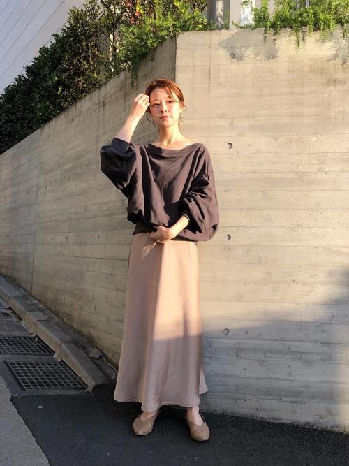 【大阪】4月に最適な服装:スカートコーデ2