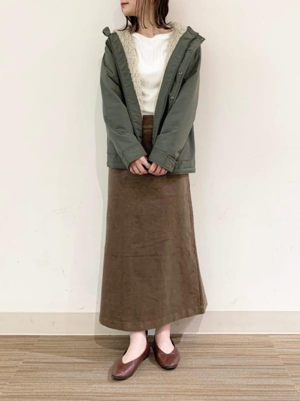カーキブルゾン×タイトスカート