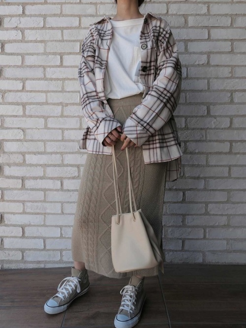 11[CORNERS] ケーブル編みタイトスカート