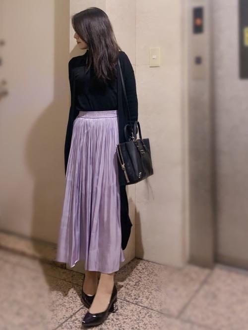ロングカーディガン×紫スカートの春コーデ