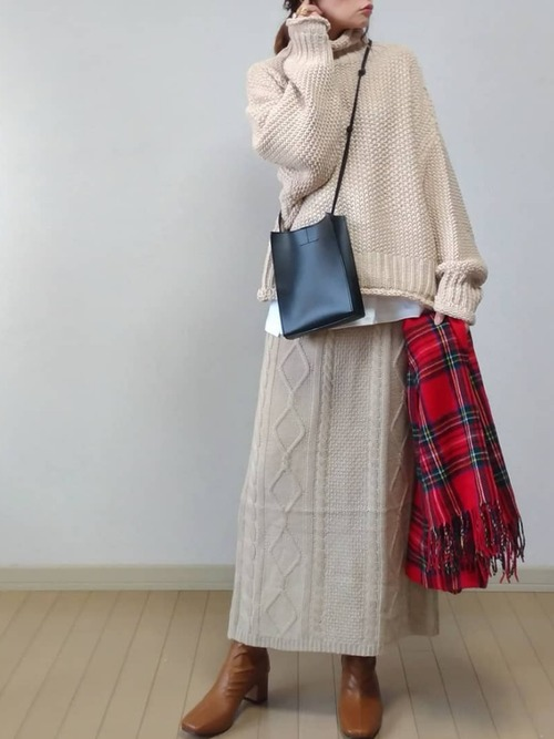 [Pierrot] ケーブルニットスカート