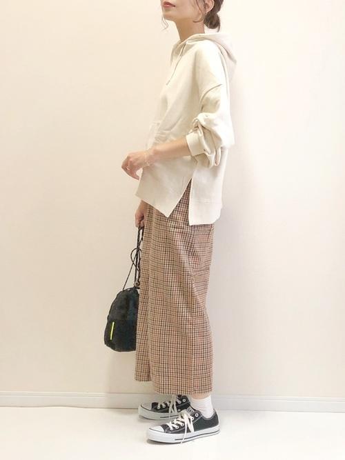 BIGスリットパーカ×チェックタイトスカート