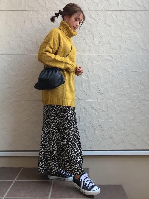 オーバーサイズニット×プリーツスカート