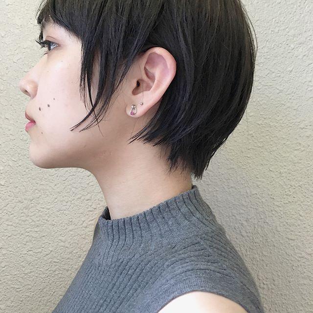 おすすめ暗髪ヘアカラー×ショート2