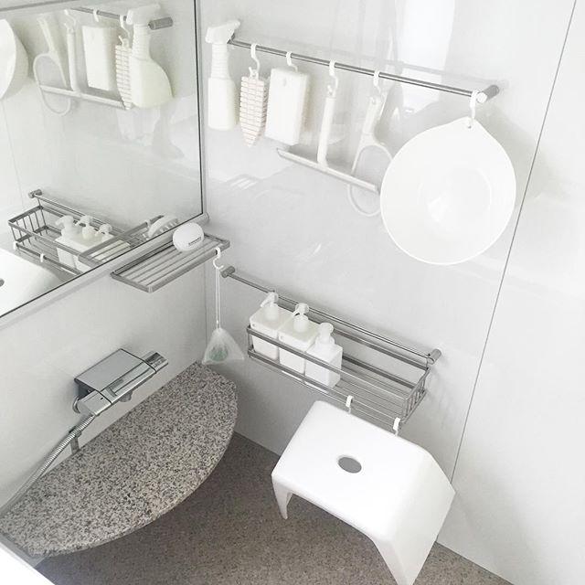 お風呂場収納はS字フックを使って全部を掛けて