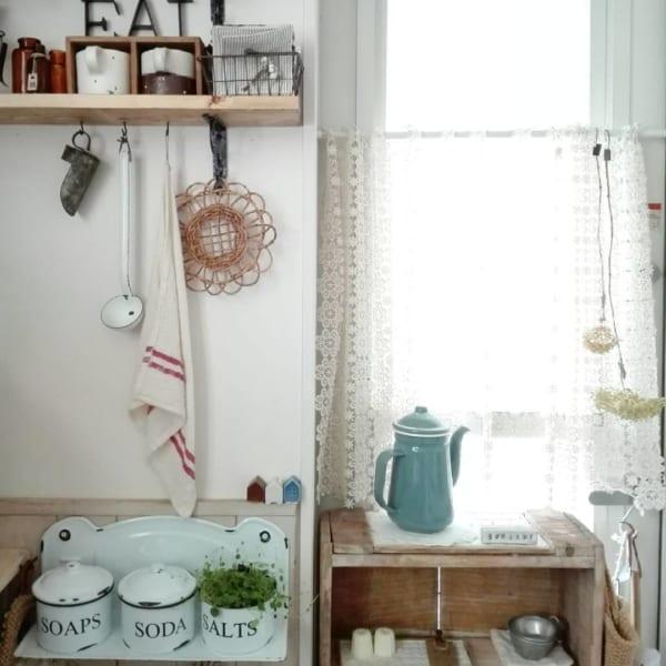 アンティーク家具がおしゃれなキッチン