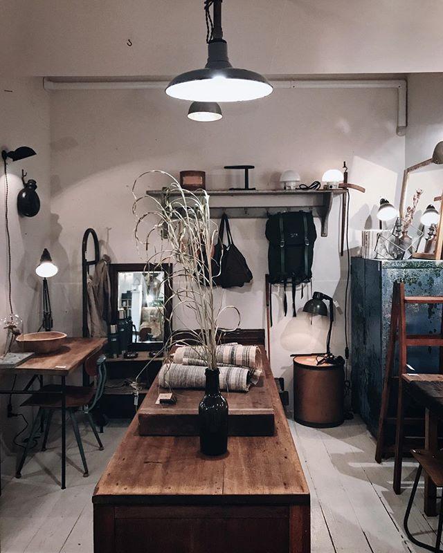 インダストリアルな調度品で格好良い部屋作り