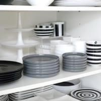 オシャレで機能的なスペースに!すぐに真似できる《食器棚収納アイデア》を紹介