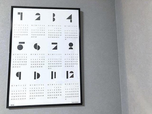 ポスターのようなカレンダー