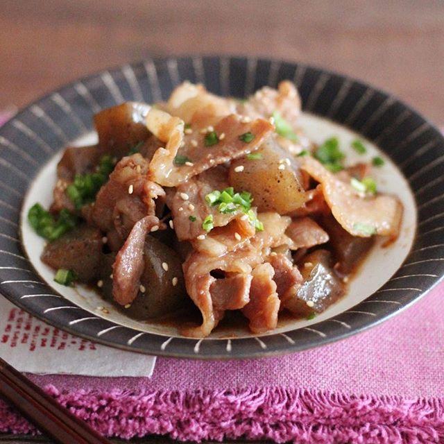 美味しいおかずに!豚バラこんにゃくの含め煮