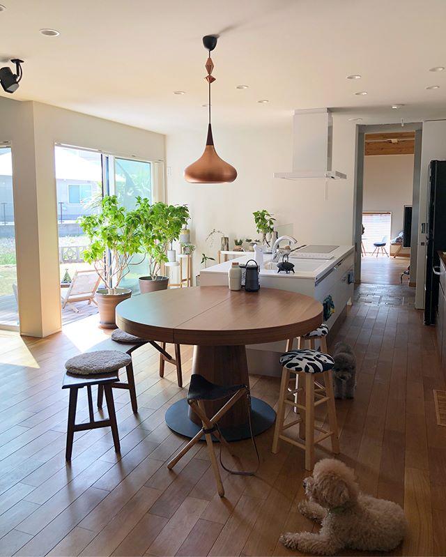②ファブリックや木製の家具を取り入れる8