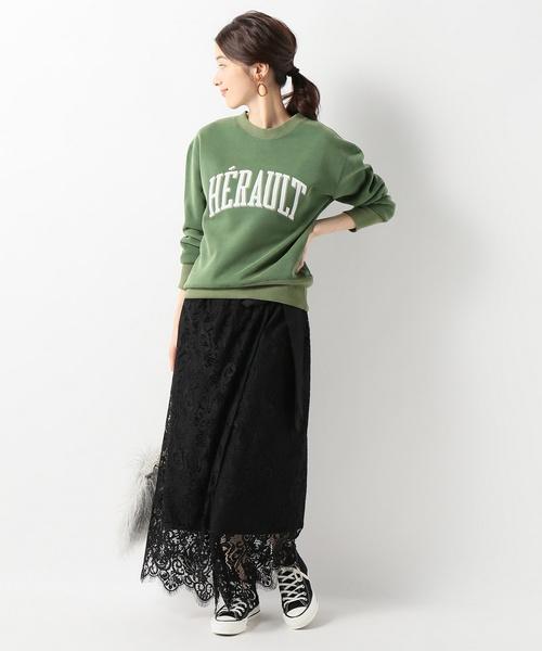 甘辛ファッション◎スウェット×黒レーススカート