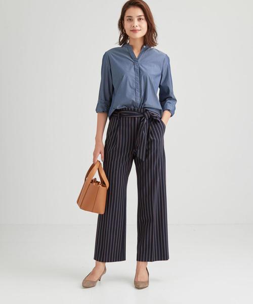 ネイビーシャツ×パンツの春コーデ