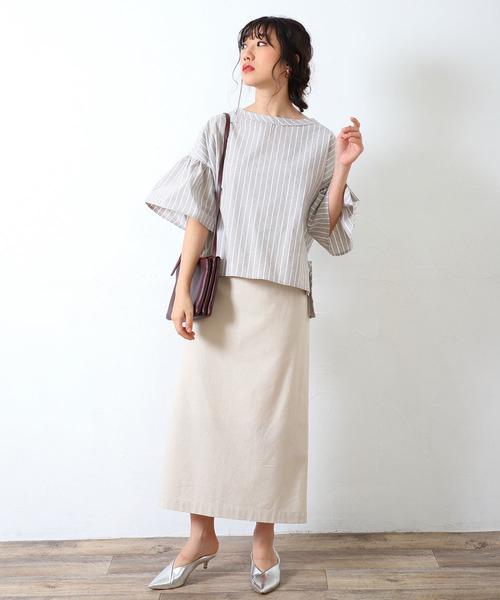 ストライプブラウス×台形スカートの春コーデ