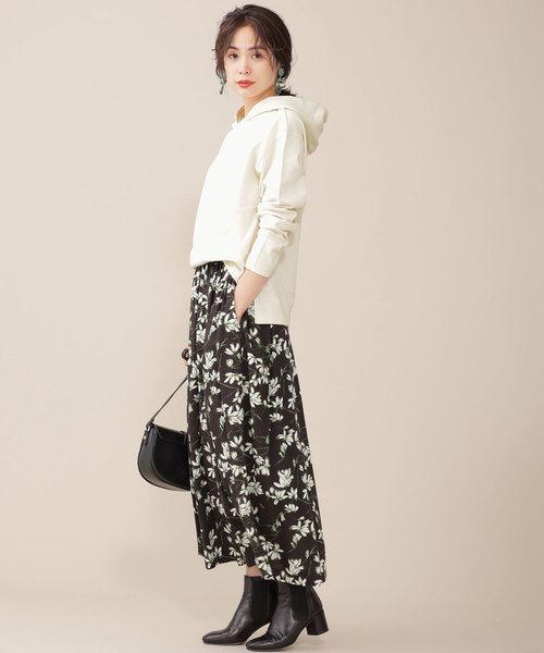 【東京】4月に最適な服装:スカートコーデ2