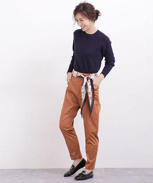 【東京】4月に最適な服装:パンツコーデ3