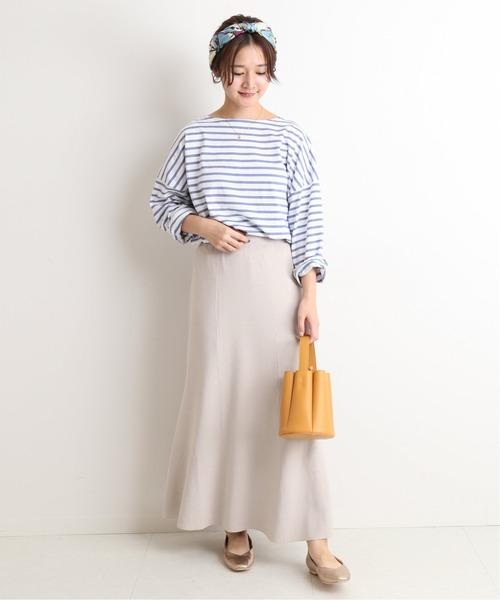 【東京】4月に最適な服装:スカートコーデ3