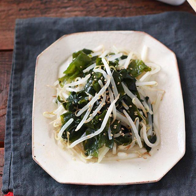 副菜のレシピに!わかめともやしの簡単ナムル