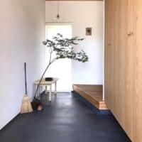 ミニマリストは玄関もシンプル♪生活感のないすっきりインテリア&収納術まとめ