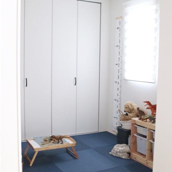 ネイビーの畳がおしゃれな和室男の子部屋