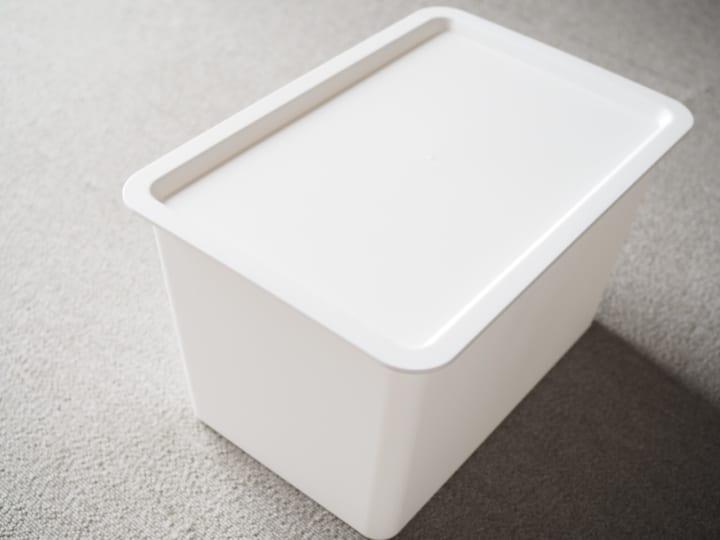 フタ付きボックス2