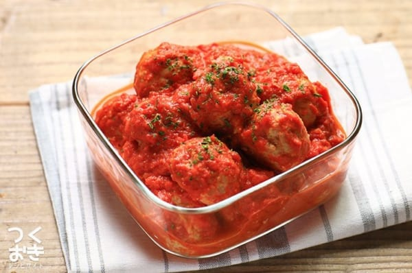お弁当に大人気!簡単チキンボールのトマトクリーム