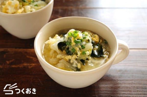 付け合わせのメニューに!白菜と卵の春雨スープ