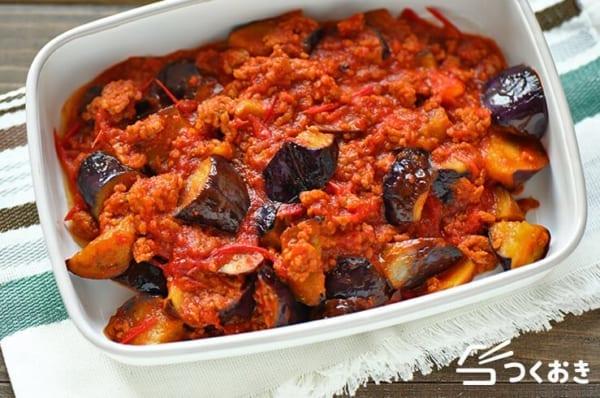 お弁当の簡単レシピ!豚挽肉と茄子のトマト煮込み