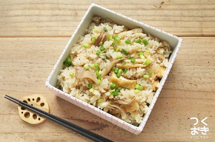 付け合わせのレシピに!きのこと生姜の炊き込みご飯