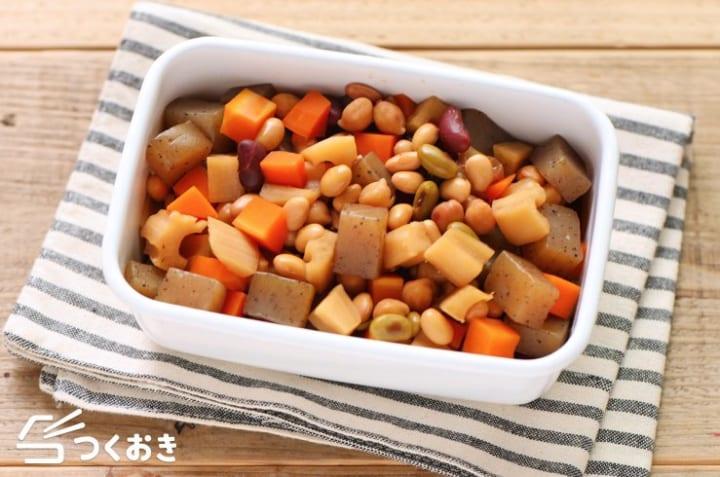 お弁当のおかずに!お豆とこんにゃくと根菜の煮物